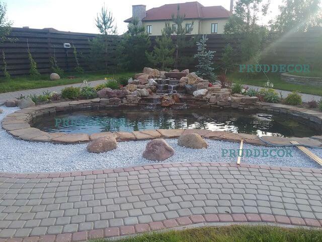 строительство водопада. декоративный пруд под ключ в Крыму