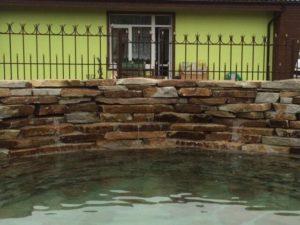 Декоративный пруд с ручьём в Крыму