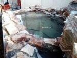 Искусственный водопад из природного камня в Сочи