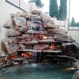 Искусственный водопад из природного камня