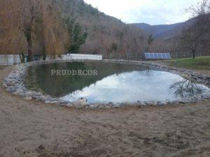 Искусственный водоём в Крыму. пруд в дивноморске